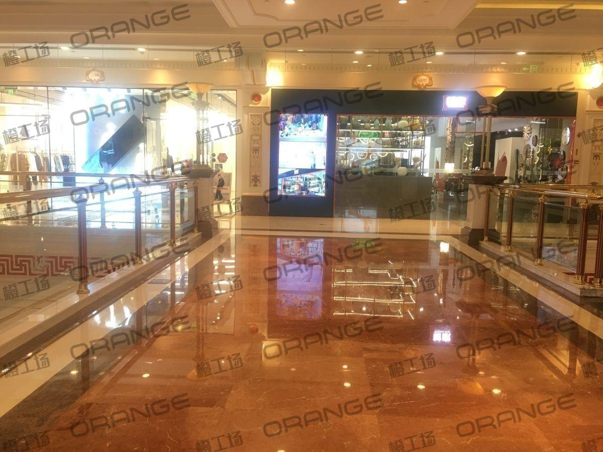 上海环球港-室内三楼画廊西大街086前扶梯北1