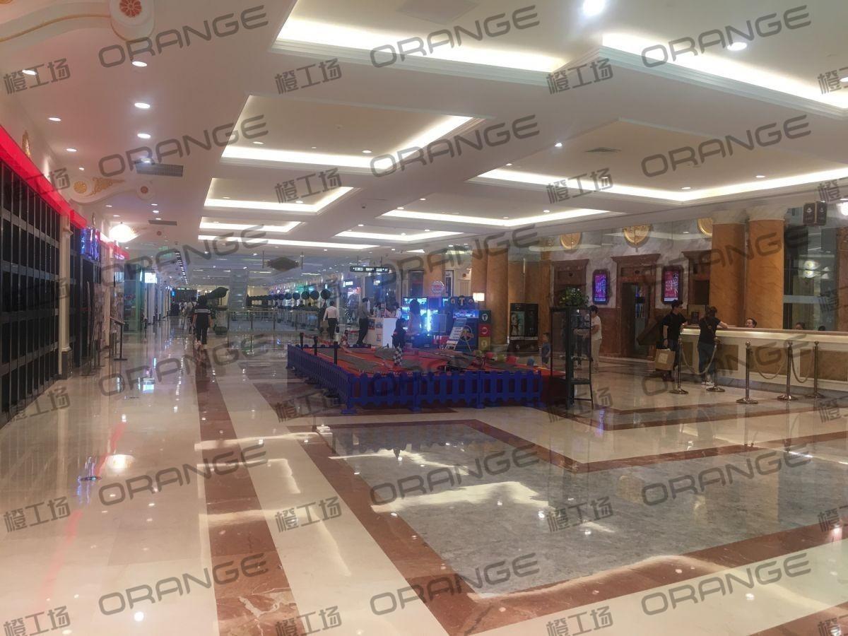 上海环球港-室内三楼中央环廊西侧1