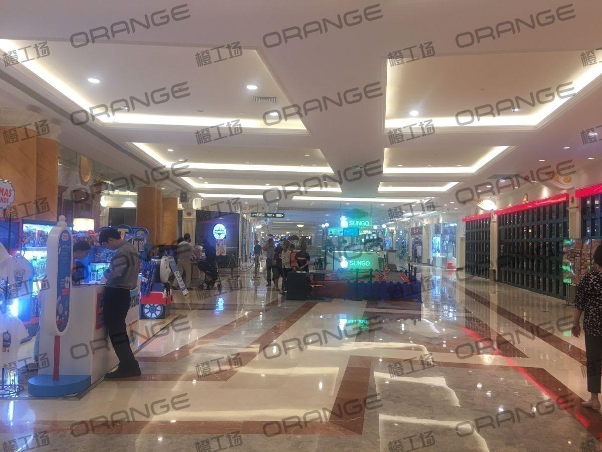 上海环球港-室内三楼中央环廊西侧3