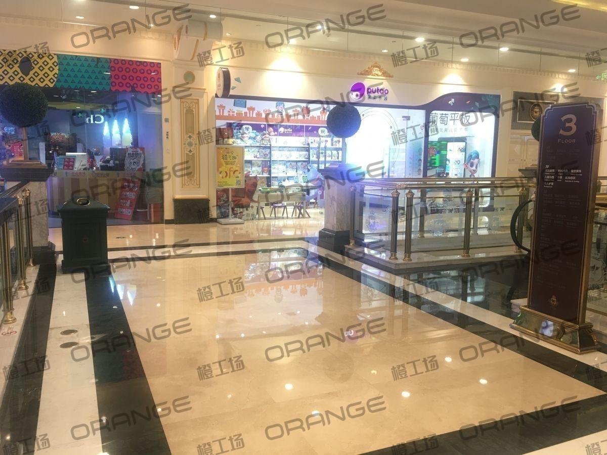 上海环球港-室内三楼花园西大街038前扶梯南1