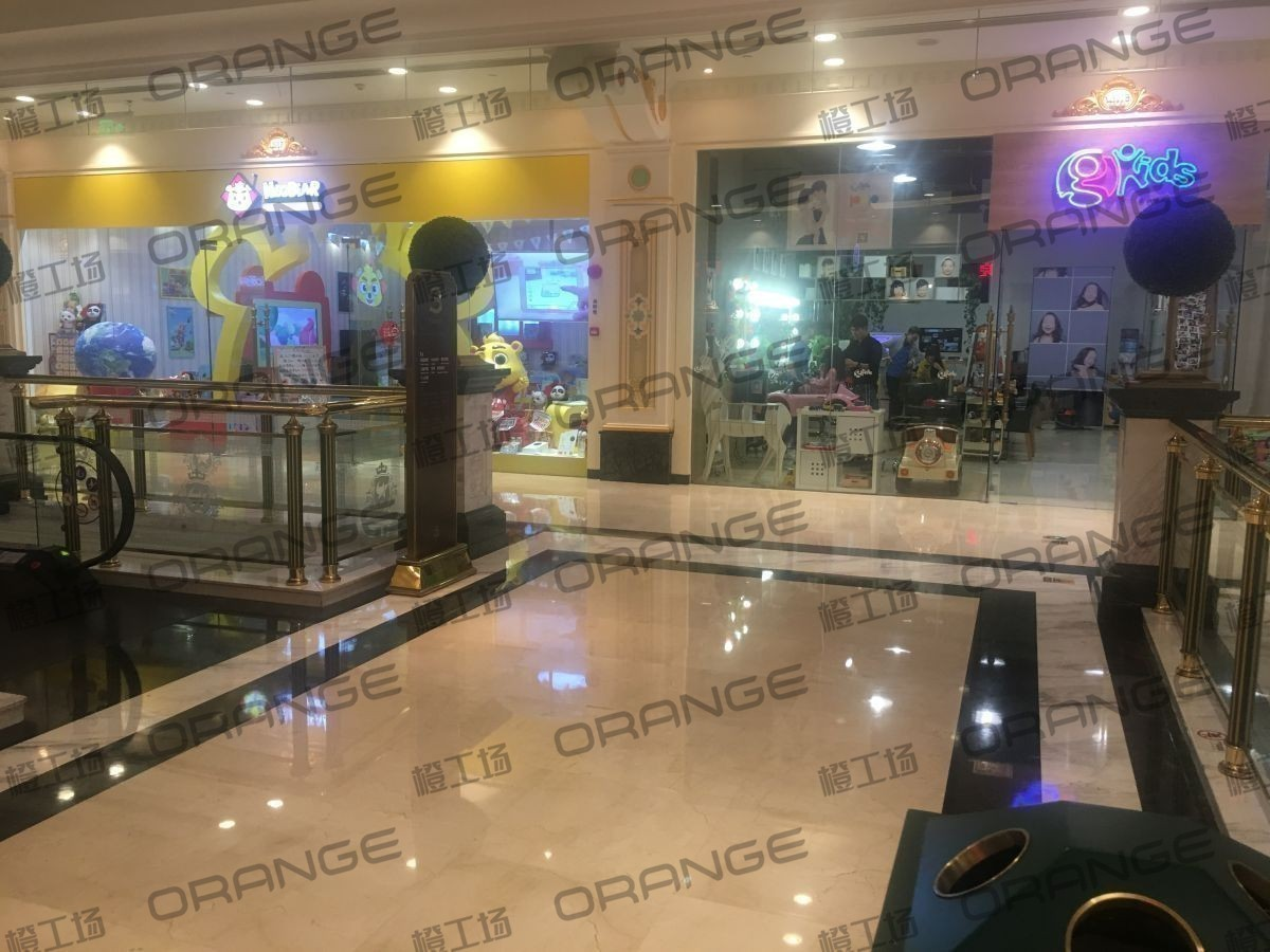 上海环球港-室内三楼花园东大街117前扶梯北2
