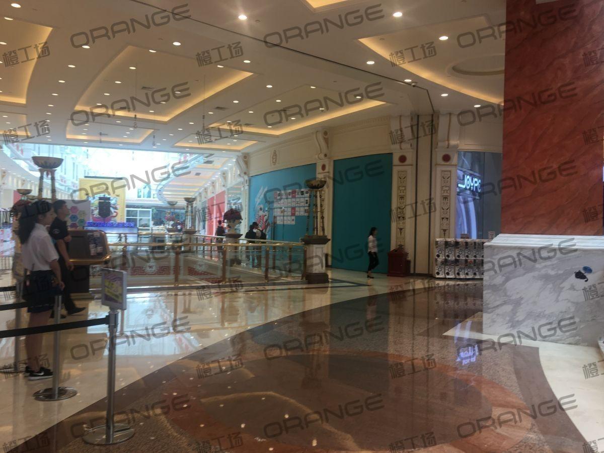 上海环球港-室内四楼南侧环廊与画廊东西大街之间(两块)2