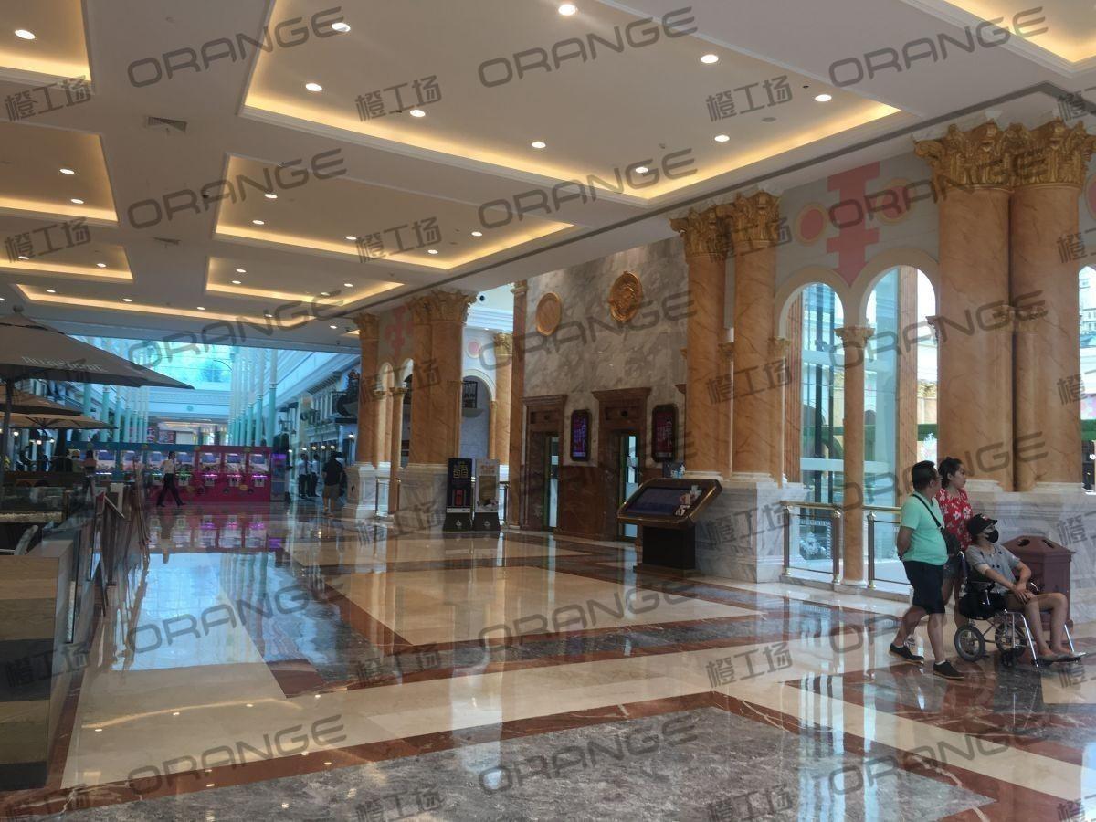 上海环球港-室内四楼中央环廊西侧2
