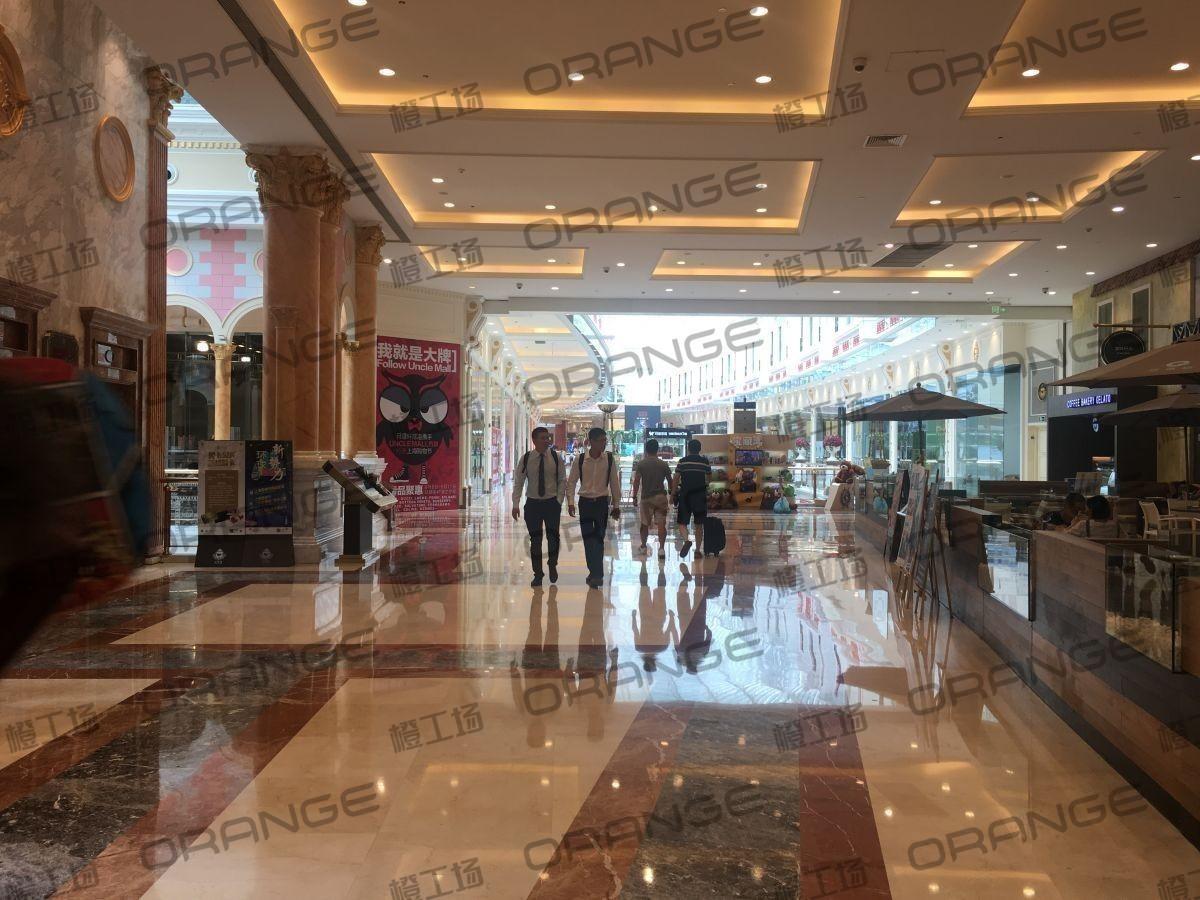 上海环球港-室内四楼中央环廊西侧1