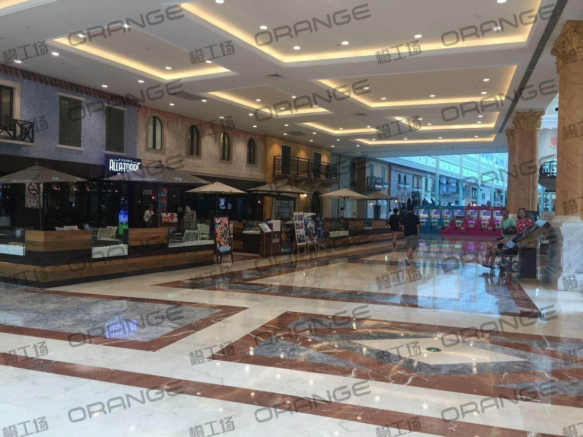 上海环球港-室内四楼中央环廊西侧3
