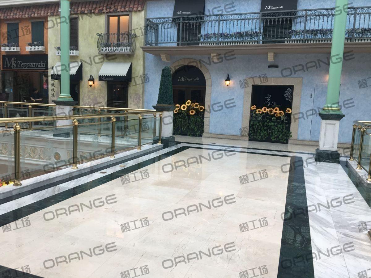 上海环球港-室内四楼花园西大街037前扶梯南1