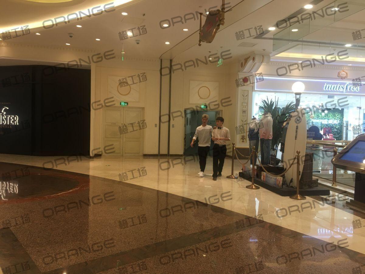 上海环球港-室内B1南侧环廊与画廊东西大街之间(两块)1