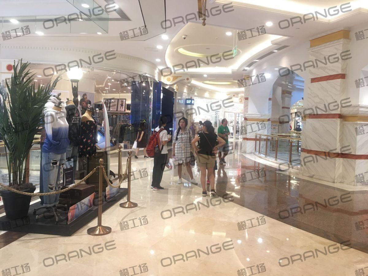 上海环球港-室内B1南侧环廊与画廊东西大街之间(两块)2