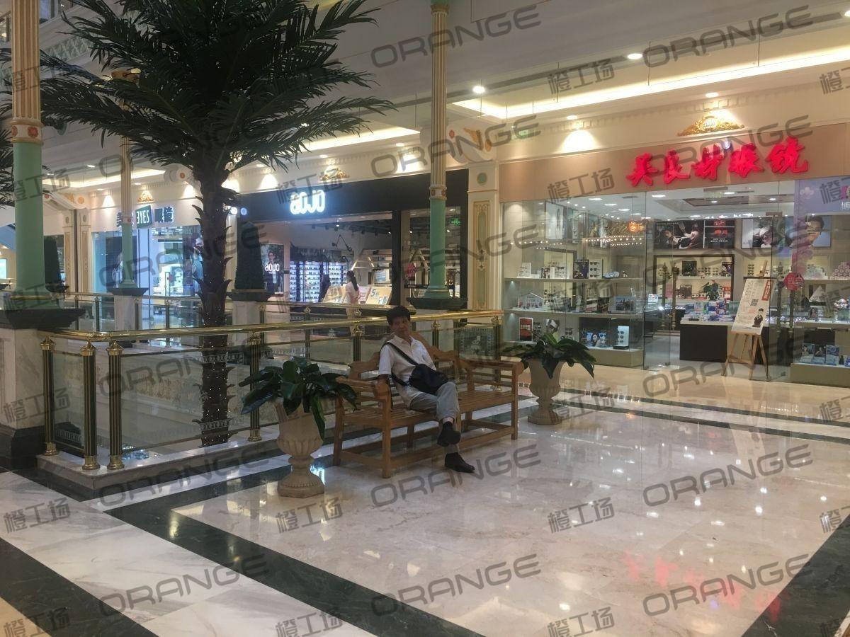 上海环球港-室内B1花园西大街060前扶梯北2