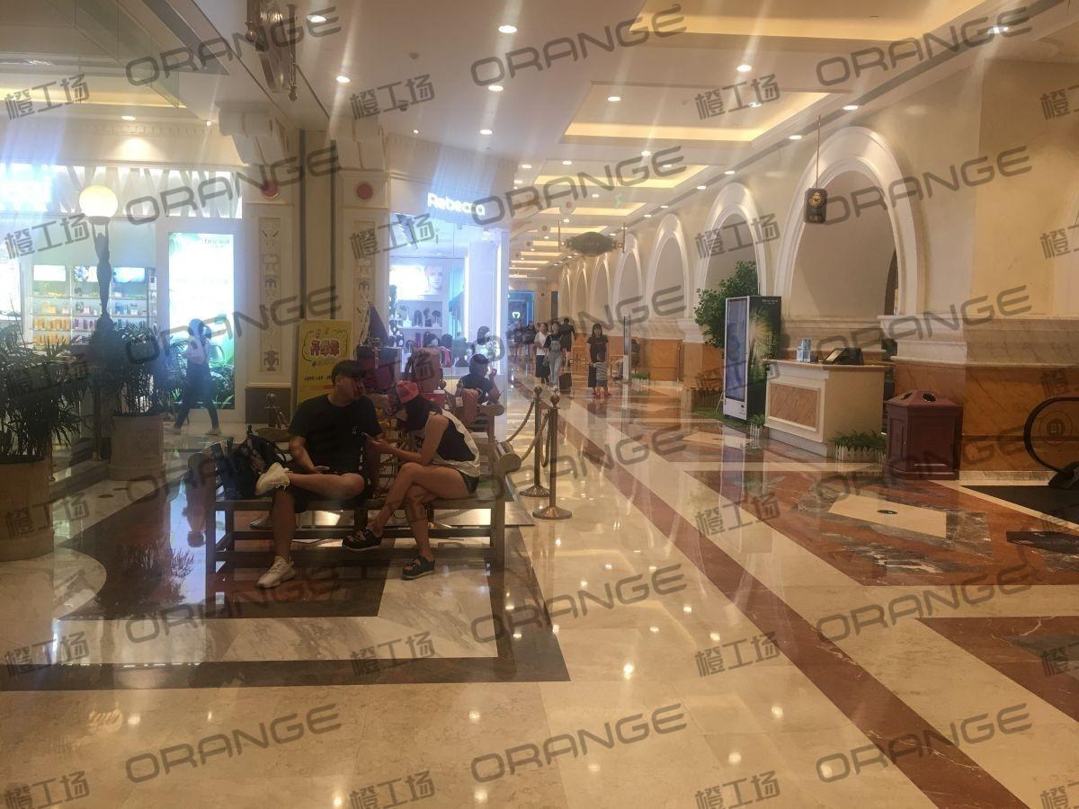 上海环球港-室内B1中央环廊东南侧1