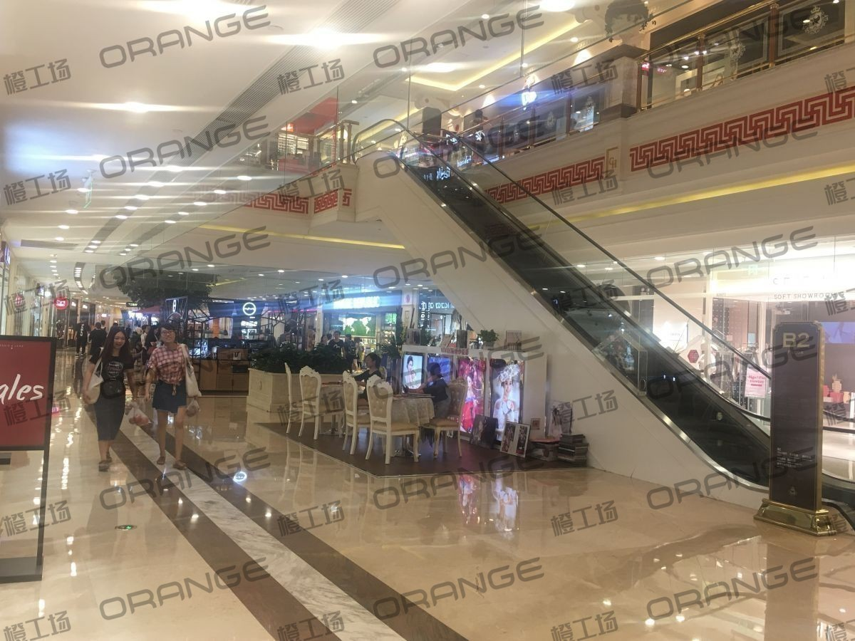 上海环球港-室内B2南侧028前扶梯西2
