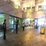 上海环球港-室内B2南门门前124