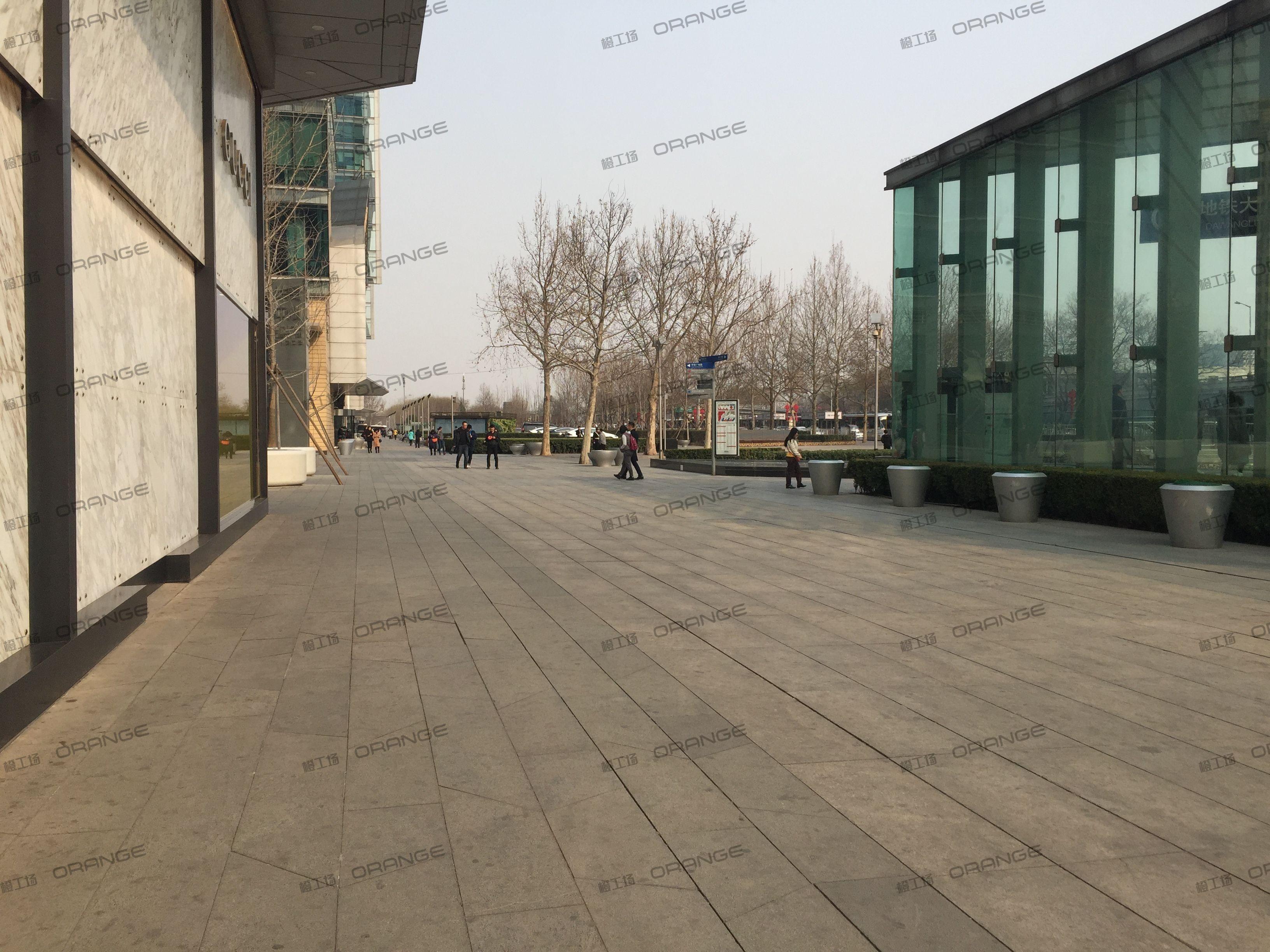 北京SKP(原北京新光天地)-室外古驰南侧到苹果南侧走廊4