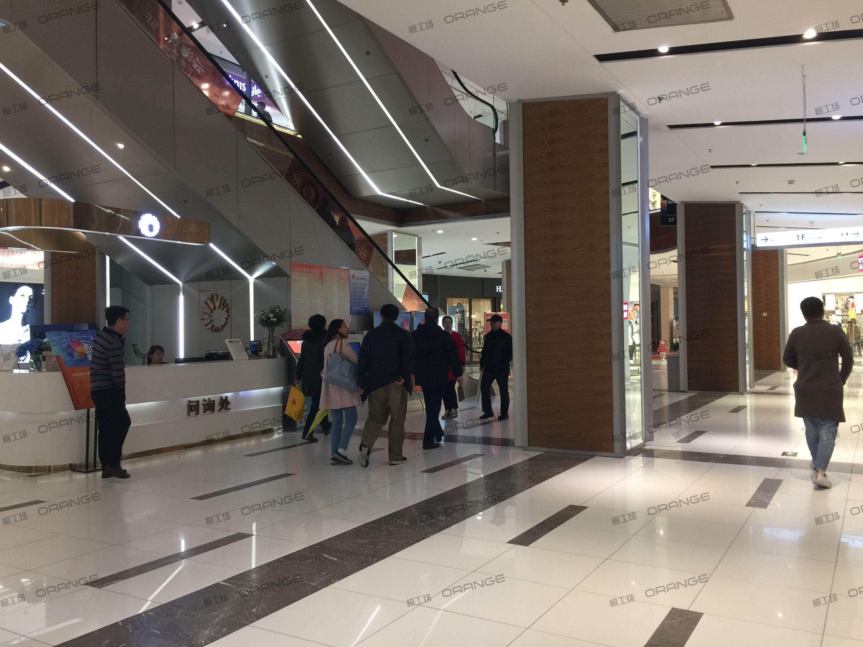 北京远洋未来广场-室内一楼西侧走廊两块13